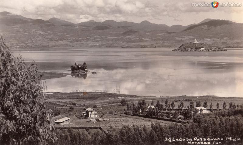 Vista panorámica del Lago de Pátzcuaro e Isla de Janitzio