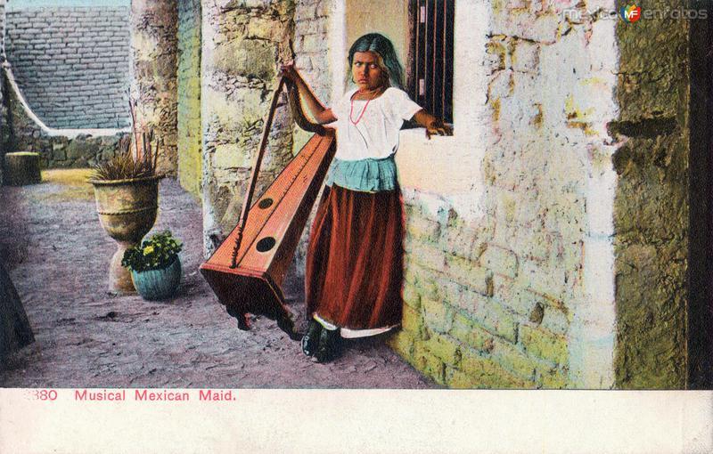 Fotos de , , M�xico: Criada musical mexicana