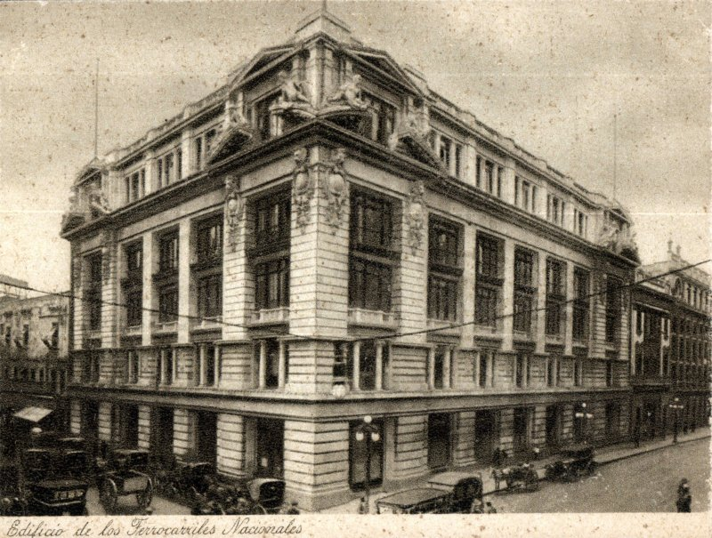 Edificio de los Ferrocarriles Nacionales