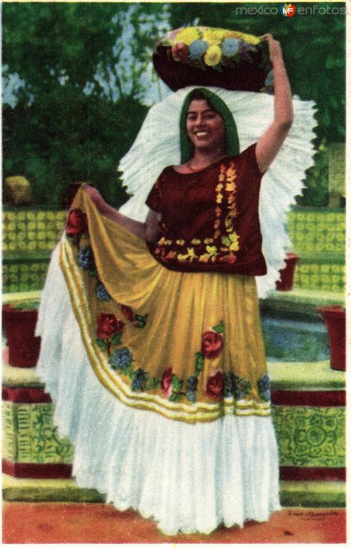 No. 40: Tipo de Tehuana, Estado de Oaxaca