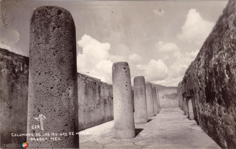 Columnas de Las Ruinas de Mitla