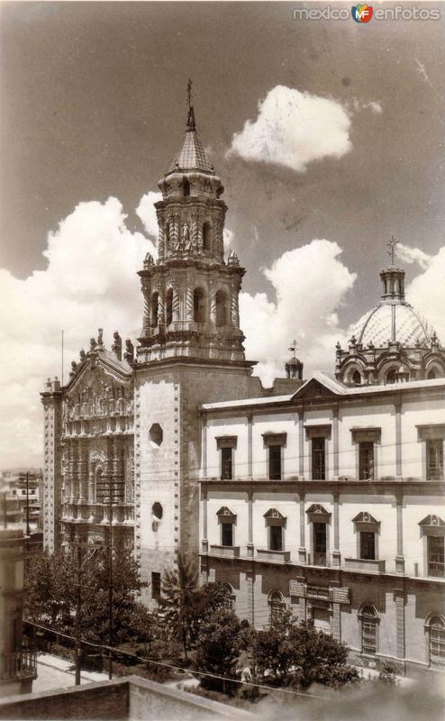 Templo y Convento del Carmen