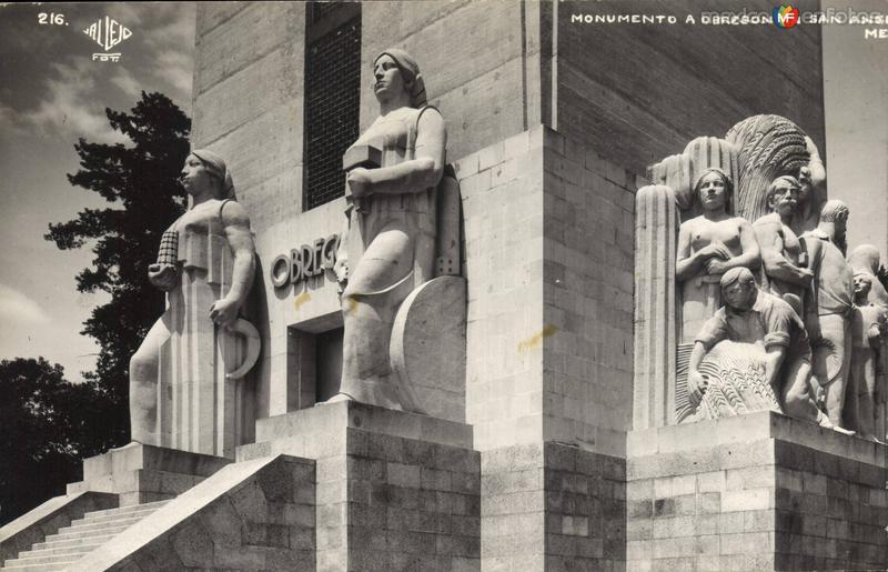 Monumento a Alvaro Obregón