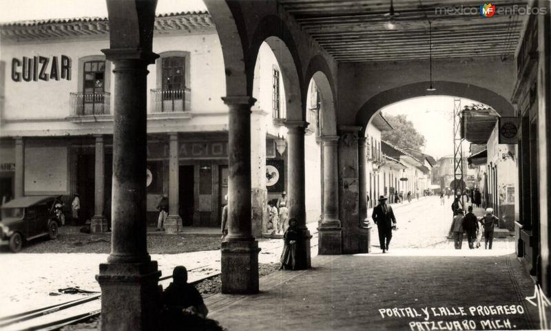 Portal y Calle Progreso