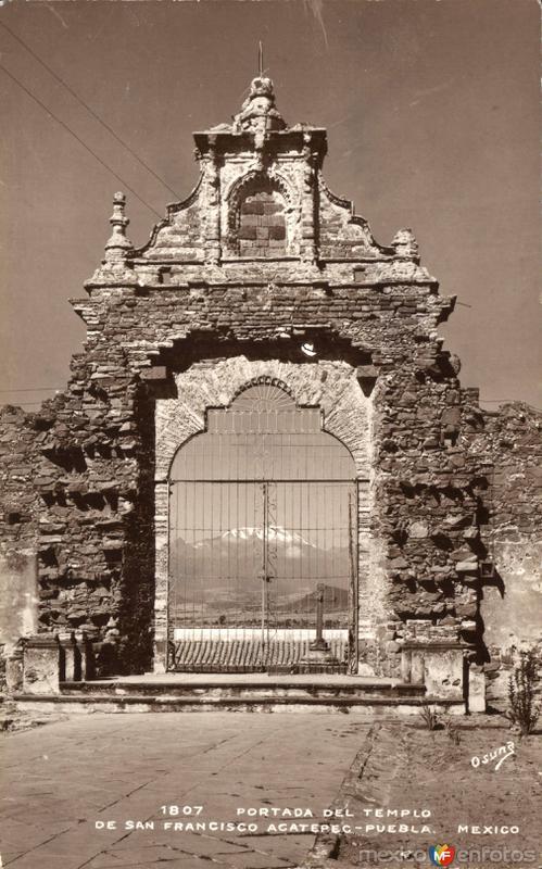 Portal del Templo de San Francisco Acatepec