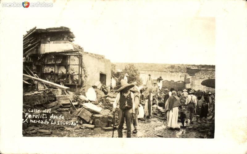 Ruinas en la Calle del Perulito, desde el Mercado de La Soledad