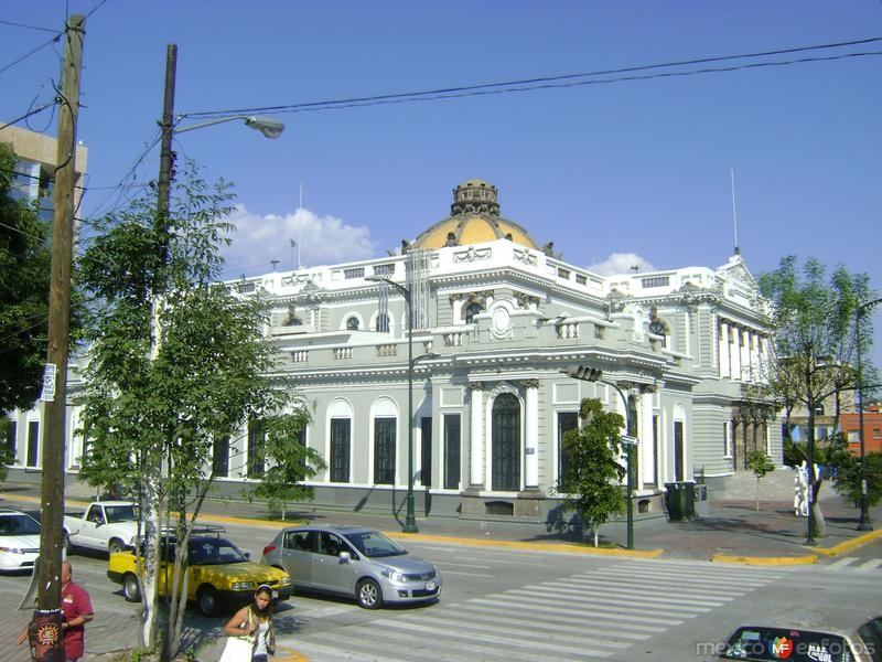 Edificio de la Rectoria de la U. de G. Noviembre/2011