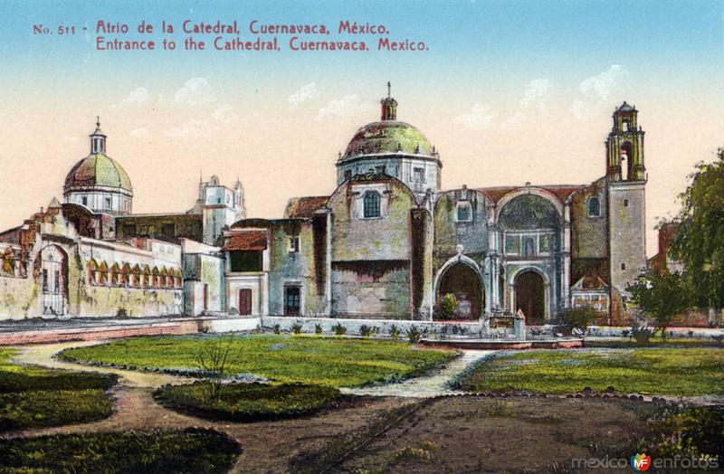 Atrio de la catedral de Cuernavaca