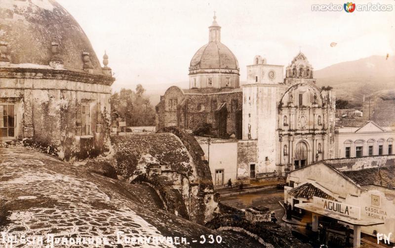 Fotos de Cuernavaca, Morelos, México: Catedral de Cuernavaca y Gasolinería Aguila