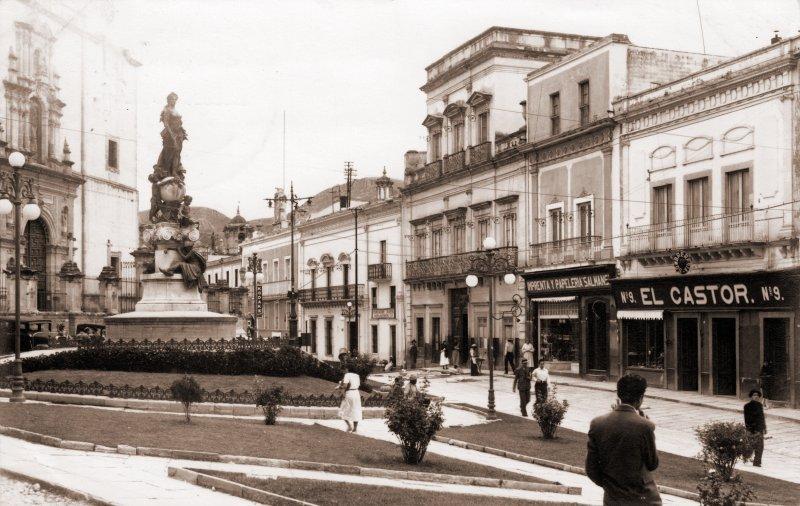 Tienda El Castor y Plaza de la Paz
