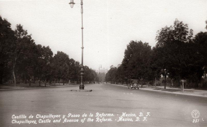 Paseo de la Reforma hacia el Castillo de Chapultepec