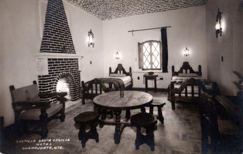 Interior del Castillo Santa Cecilia