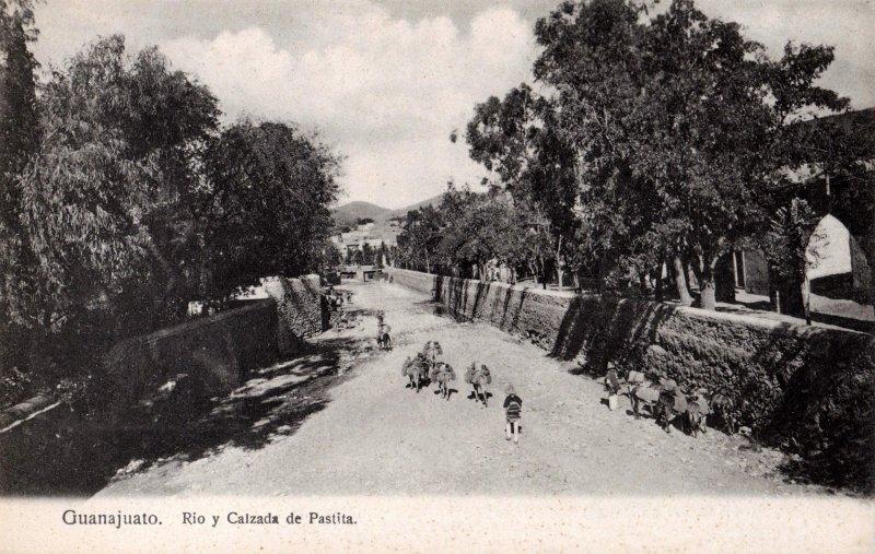 Río y Calzada de Pastita