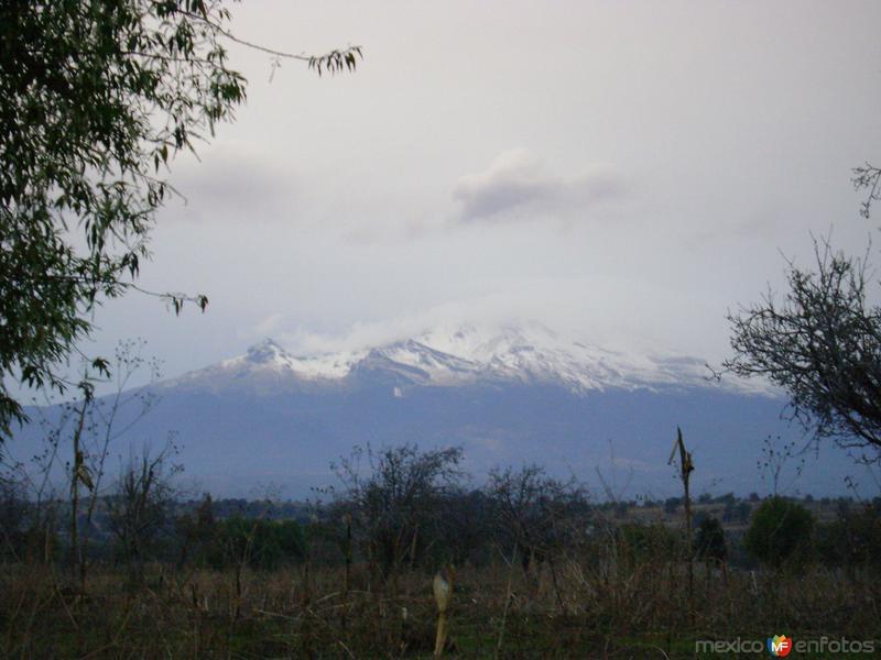 El volcán Iztacíhuatl desde Neáltica, Puebla. Febrero/2012