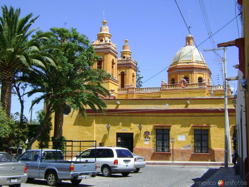 Vista lateral del Templo de la Soledad. Marzo/2012