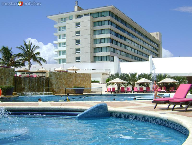 Zona Hotelera de Punta Cancún. Abril/2012