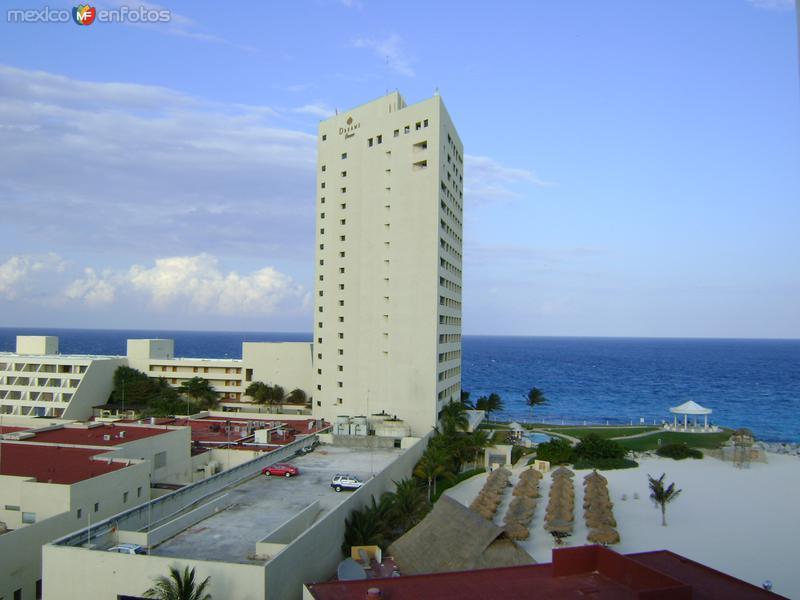 Infraestructura hotelera en Punta Cancún. Abril/2012