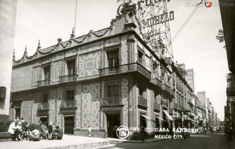 Restaurante sanborns en la casa de los azulejos ciudad for Casa de los azulejos ciudad de mexico