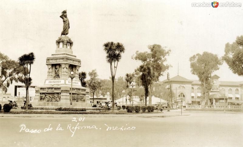 Monumento a Cuauhtémoc, en el Paseo de la Reforma