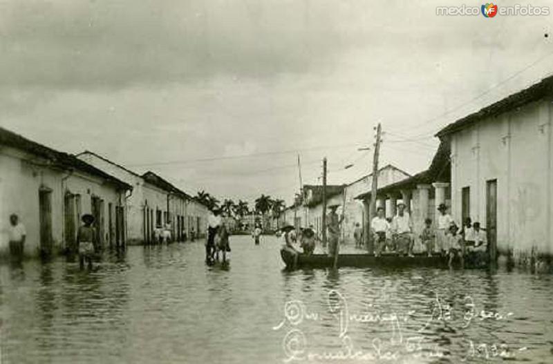 INUNDACION EN LA CALLE B. JUAREZ COMALACALCO, TAB. 1927