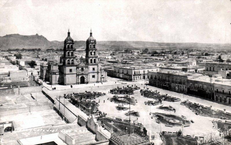 Plaza y Catedral de Durango