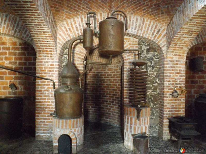 Destiladoras de cobre, ex-hacienda Corralejo. Noviembre/2012