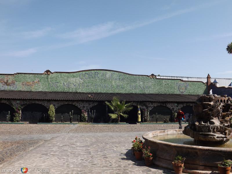 Fuente y bodegas ex-hacienda Corralejo. Noviembre/2012