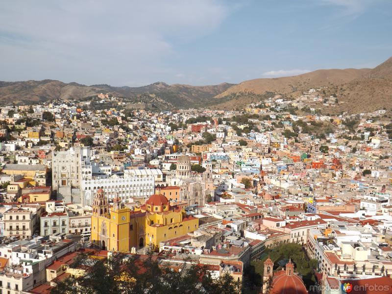 Basílica y Universidad de Guanajuato. Noviembre/2012