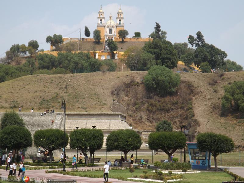 Pirámide de Cholula y el Templo de los Remedios. Mayo/2013