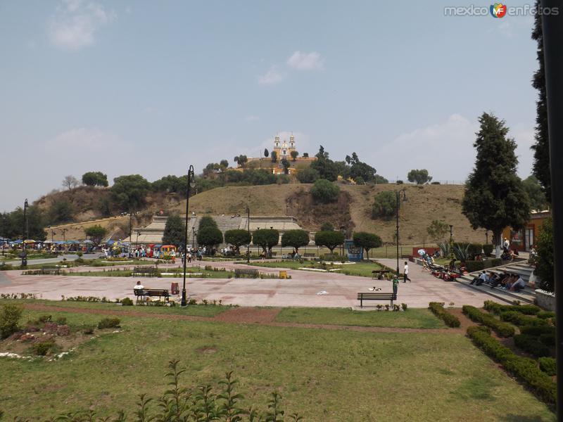 La pirámide de Cholula y el Templo de los Remedios. Mayo/2013