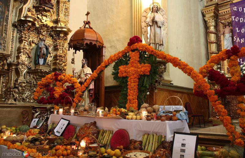 Ofrenda de la Parroquia de Santiago Apóstol