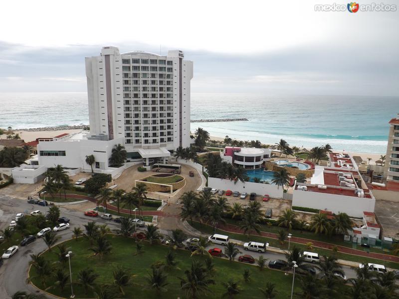 Amanecer en Punta Cancún. Noviembre/2013