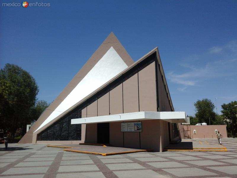 iglesia de la Santa Cruz.