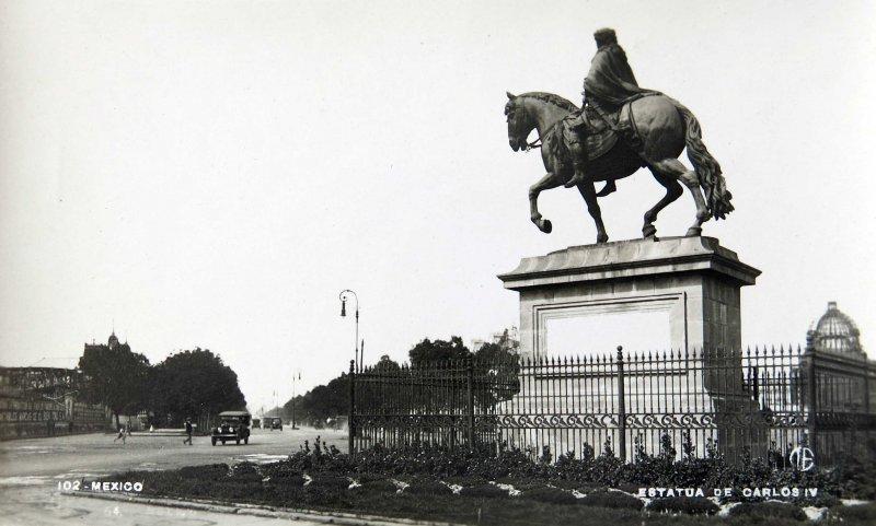 Estatua de Carlos IV paseo de la Reforma