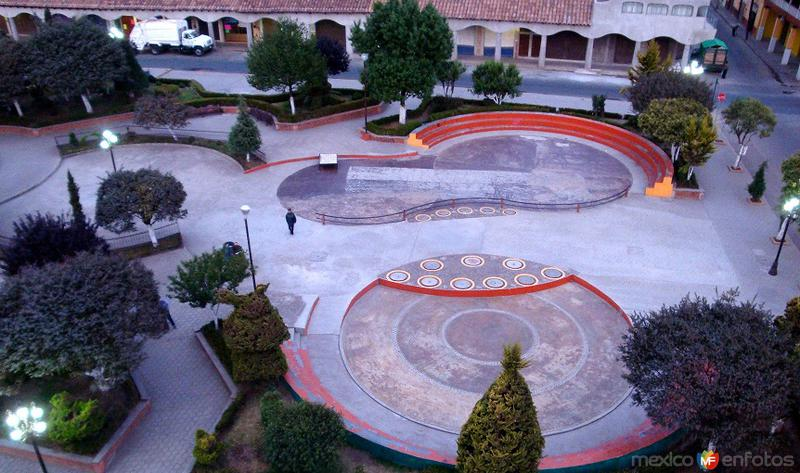Vista de la Plaza de La Contitución, desde la Parroquia