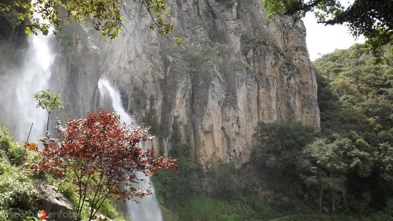 Cascadas de Quetzalapan formadas por el río Chignahuapan. Mayo/2014