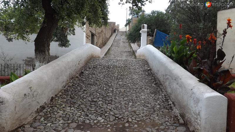 Antigüo puente de la época del auge minero siglo XIX. Abril/2014