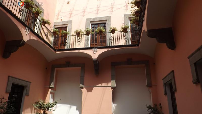Patio Interior y balcón del Museo Amparo. Mayo/2012