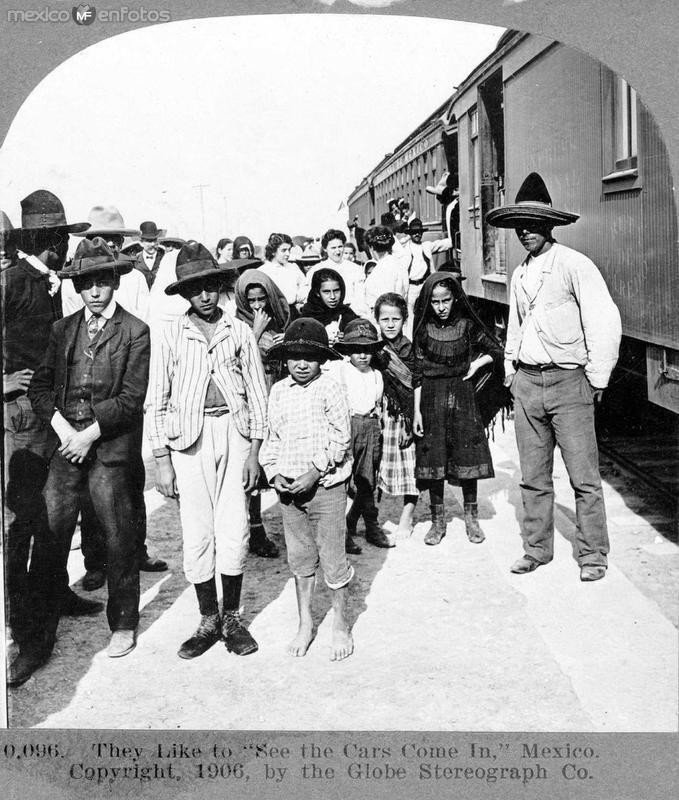 Niños quieren ver los Tranvias Hacia 1909