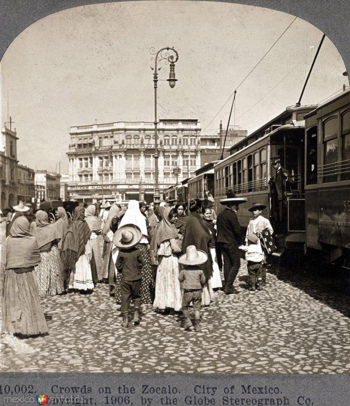 Aglomeracion de Gente Hacia 1909