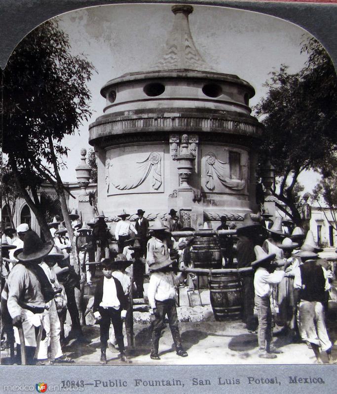 Fuente Publica Hacia 1900
