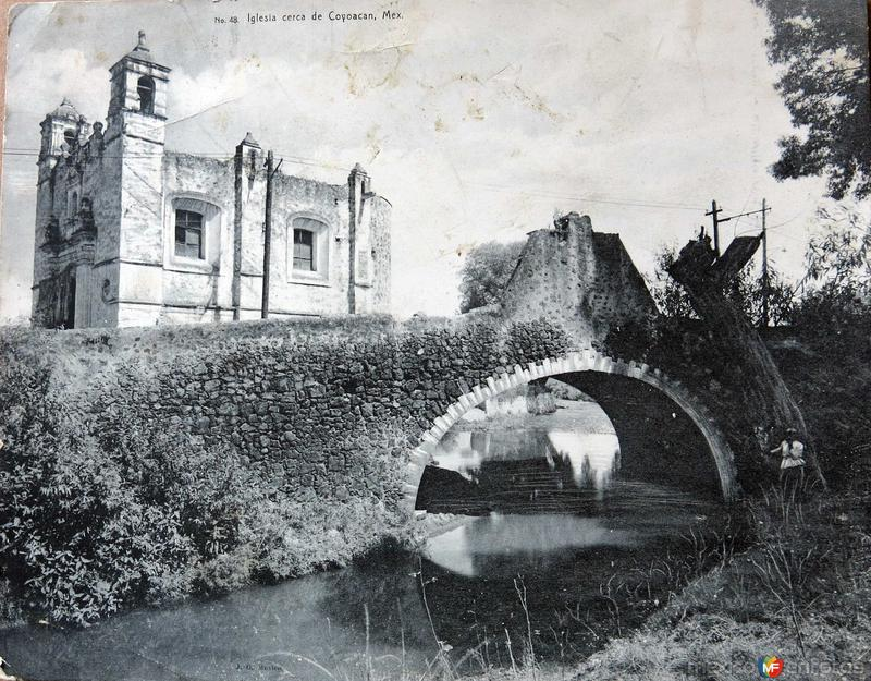 Iglesia cerca de Coyoacan Hacia 1900