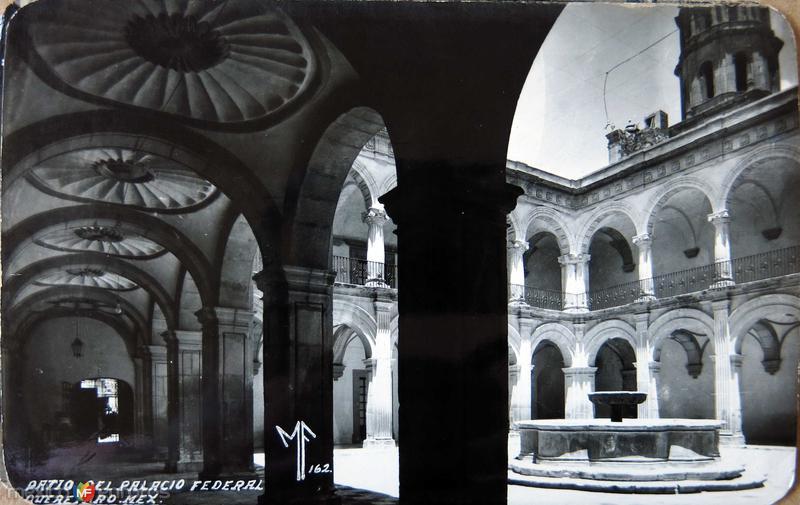 Patio del Palacio Federal Hacia 1945