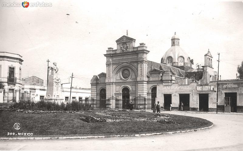 Monumento a Hacia 1900