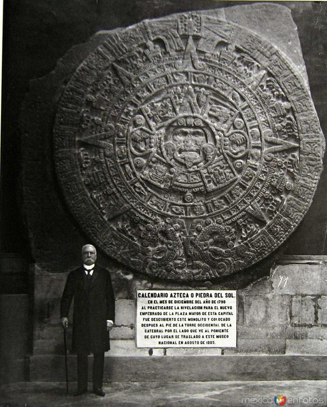 Porfirio Diaz posandoHacia 1900