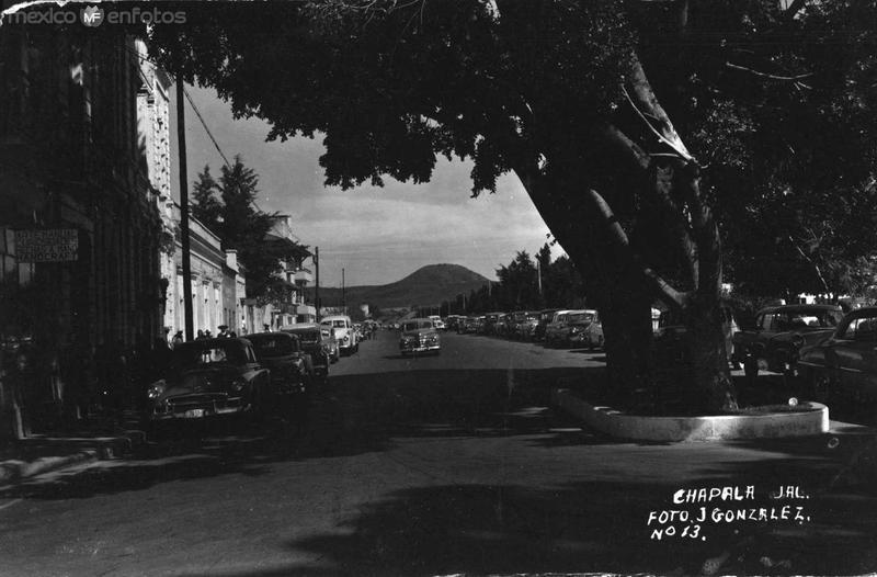 Avenida 1945