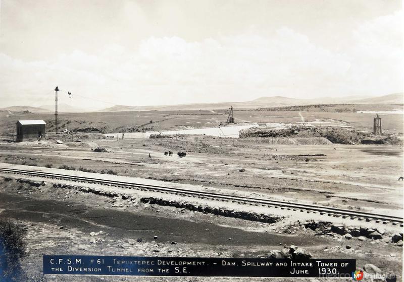 Construccion de La Presa Hacia 1930