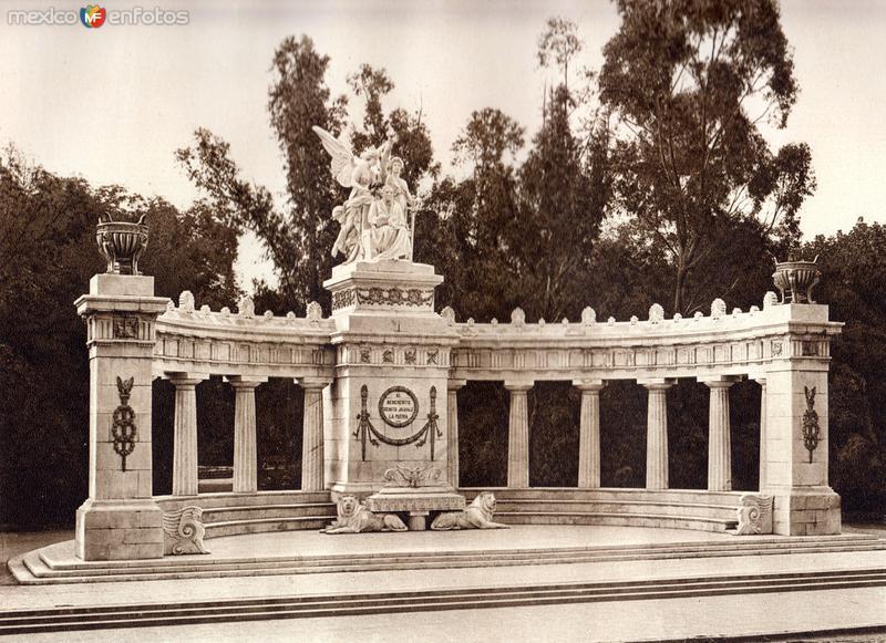 Hemiciclo a Benito Juárez (circa 1920)