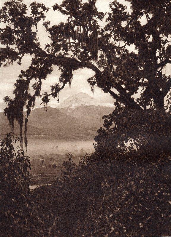 El Popocatépetl, desde el Sacromonte (circa 1920)