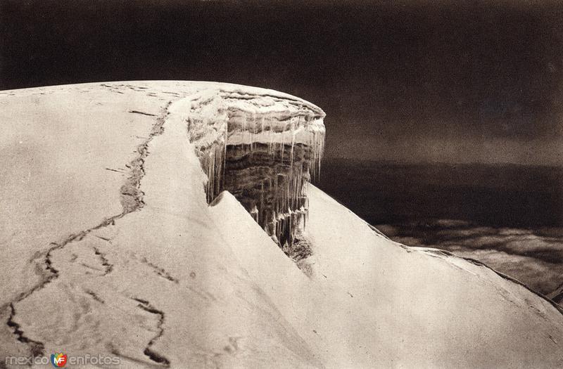 Detalle de la cima del Iztaccíhuatl (circa 1920)